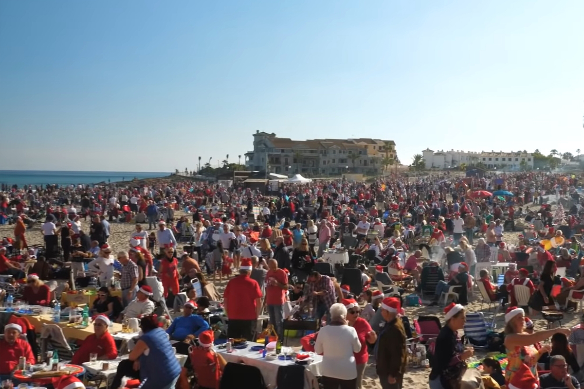 La Zenia Christmas Day Party on the Beach 2019