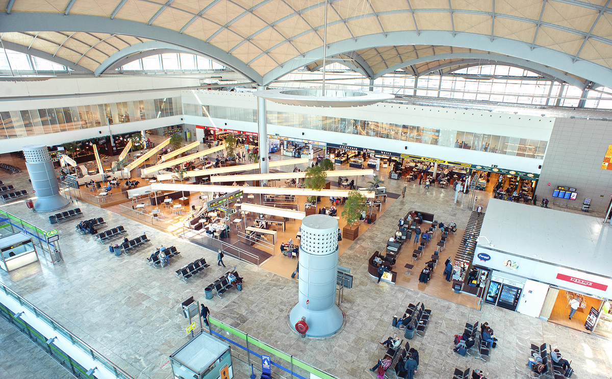 Alicante airport, Costa Blanca Easter travel